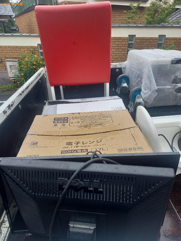 パソコン、PCデスク、椅子、ラック、引き出し、掃除機等の回収